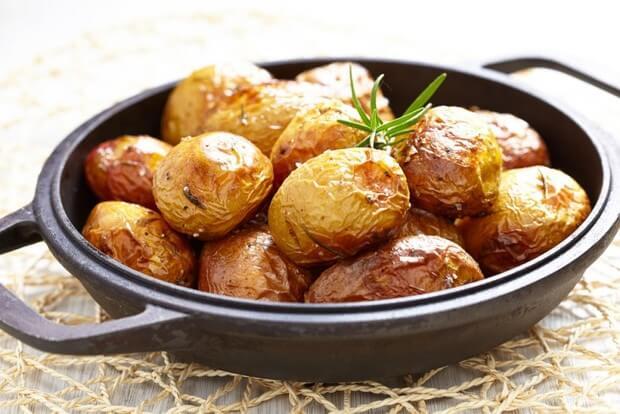 Картопля запечена