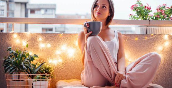 Красиво і з користю: 8 ідей, як облаштувати вузький балкон