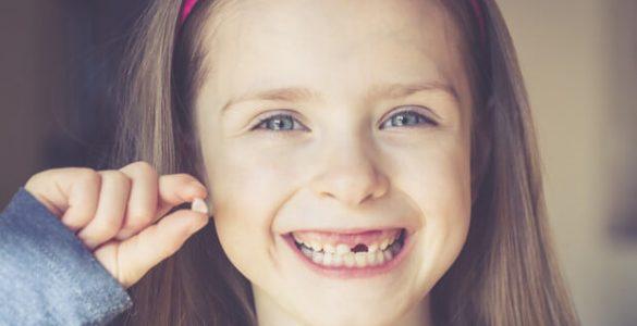 Схема випадання молочних зубів у дітей