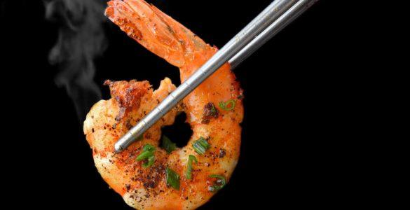 Як вибрати смачні креветки і як правильно їх приготувати