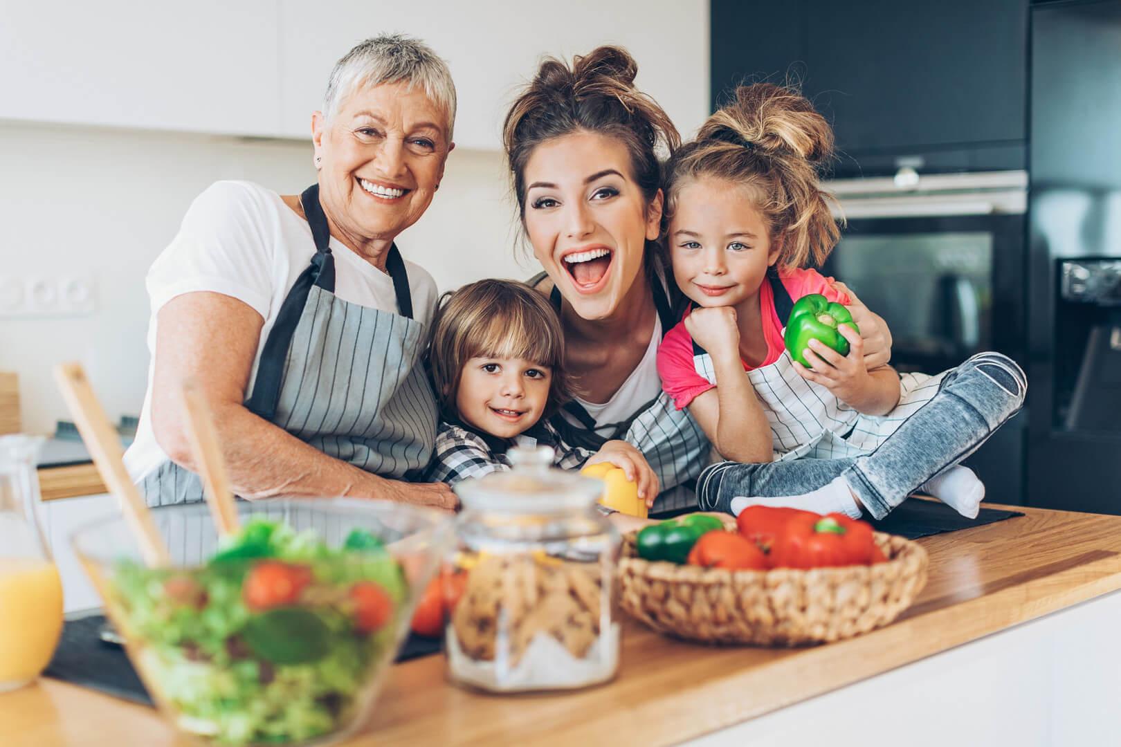 Бабуся з внуками