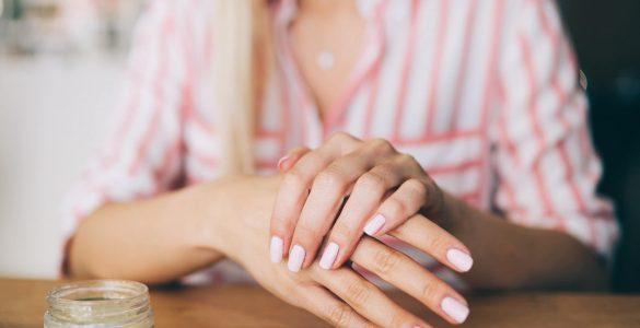 8 народних засобів для зміцнення нігтів