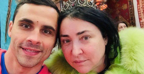 9 років впусту: Лоліта вимагає визнати шлюб з чоловіком фіктивним