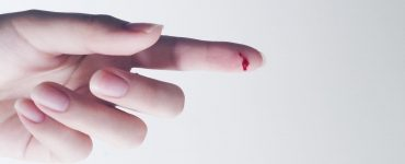 Кров з пальця