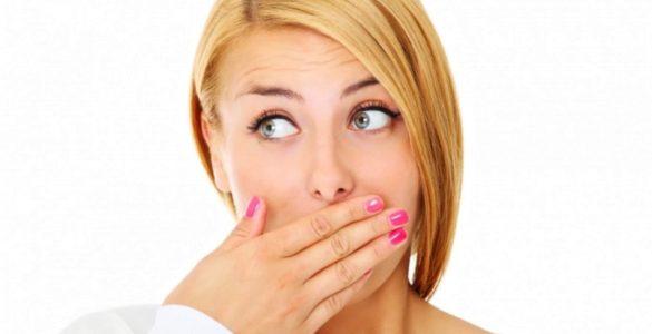 Неприємний запах з рота? Ендокринологиня назвала десять можливих причин