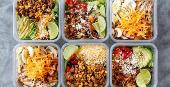Поради дієтолога, як уникнути великих порцій і переїдання