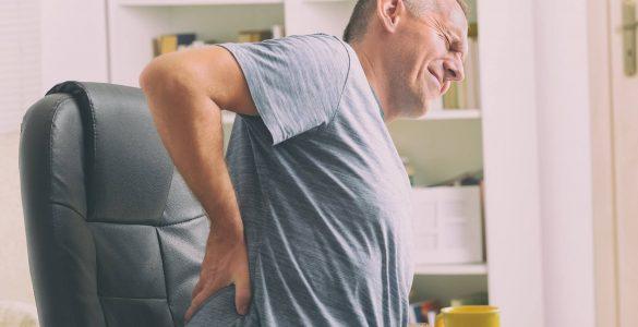 Лікарі пояснили, які серйозні хвороби викликають болі в спині