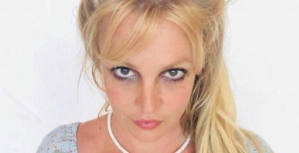 Брітні Спірс виклала в інтернеті фото без косметики