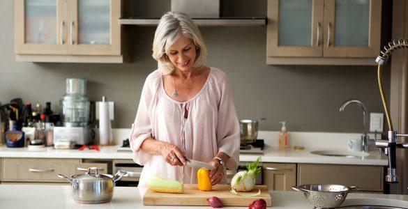Список продуктів, які потрібно їсти жінкам після 50