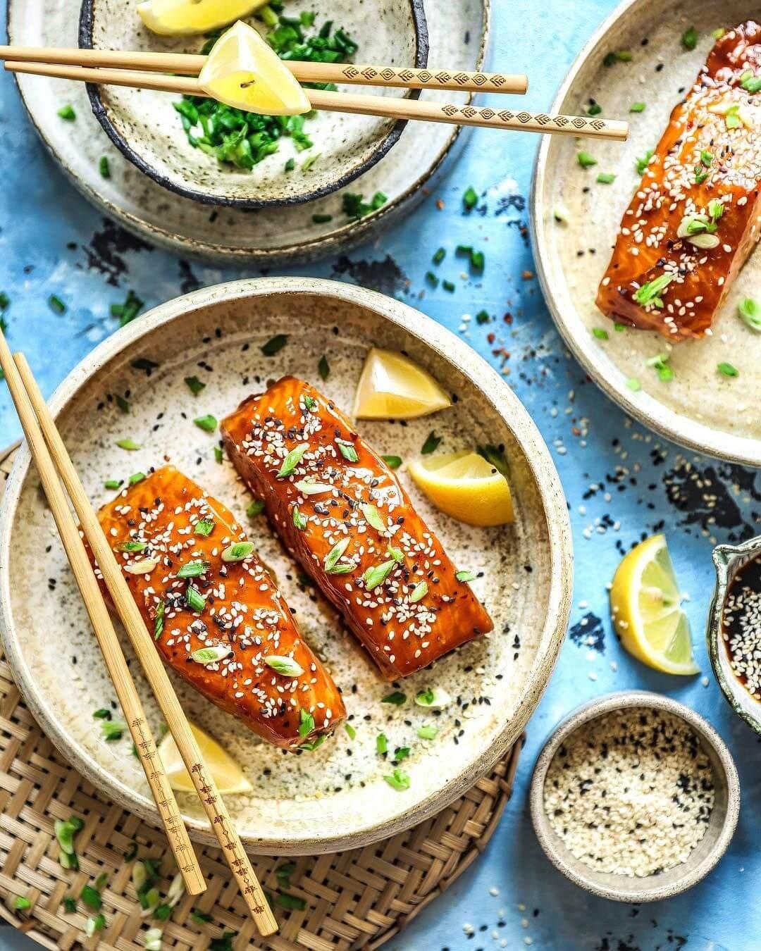 Запечений лосось в кисло-солодкому соусі