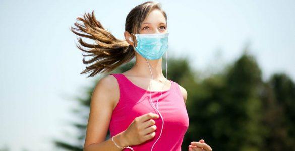 Лікарі пояснили, чому небезпечне носіння маски під час занять спортом