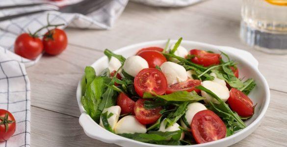 Користь салатів при дієті: рекомендації і рецепти
