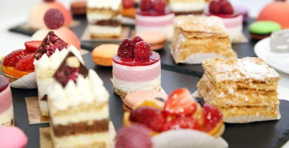 Три рецепти десертів, ідеальних для сімейних торжеств