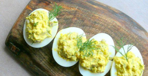 Фаршировані яйця: 4 прості і смачні рецепти