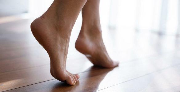 На високий кров'яний тиск вкажуть чотири ознаки на ногах