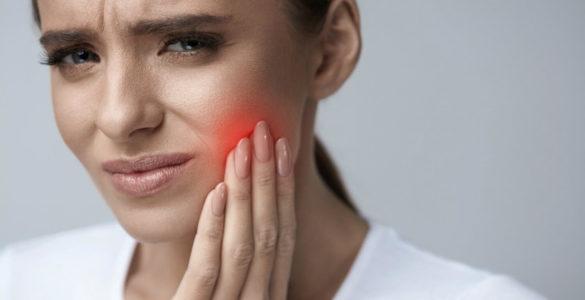 Лікарі виявили фактор, який призводить до випадання зубів