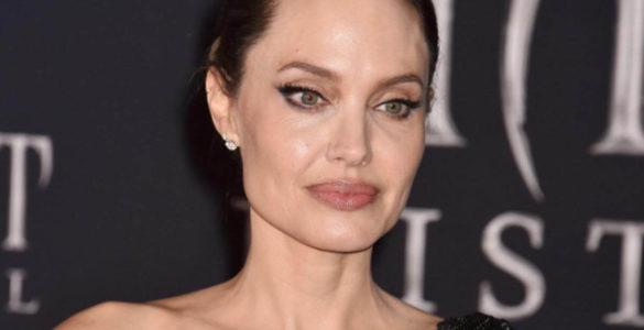 Анджеліна Джолі зніме фільм про військового фотожурналіста