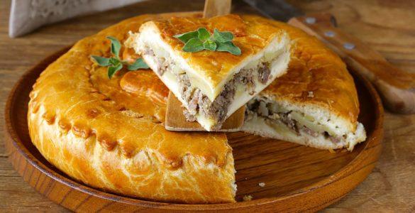Домашній рецепт пирога з м'ясом: швидко, просто і смачно!