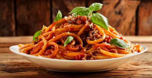Лікарка пояснила, як не поправитися від популярної італійської страви