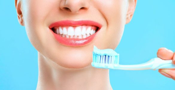 Стоматологи назвали кращий час для чищення зубів