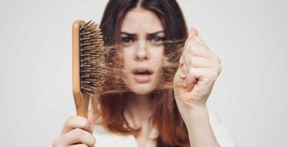 Зупинити випадання волосся і посилити їх ріст допоможе простий, але важливий мінерал
