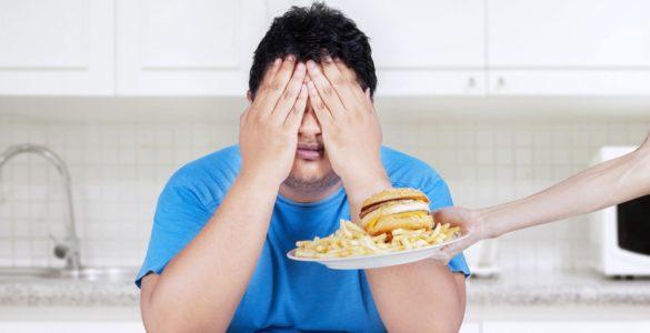 Лікарі розповіли, які продукти не можна їсти при коронавірусі