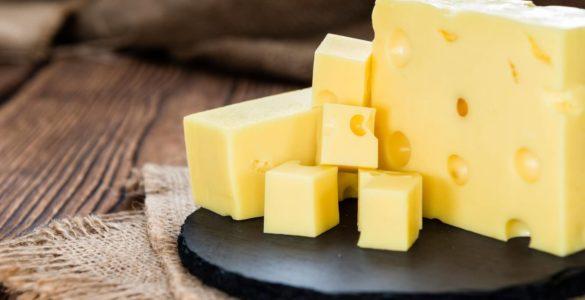 Небезпеку сиру розкрили експерти зі здорового харчування