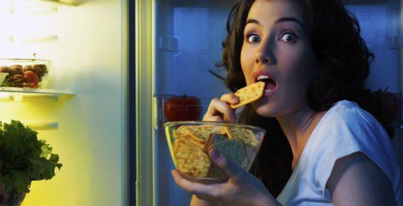 7 продуктів, які не можна їсти на ніч