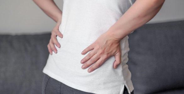 Позбутися від болю в спині в домашніх умовах допоможуть прості способи