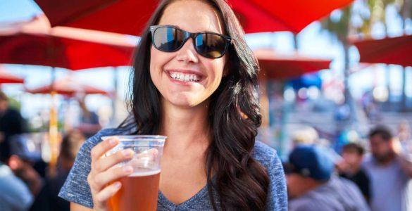 Про небезпечний вплив алкоголю на зуби попередив стоматолог
