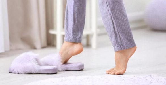 Ходіння вдома босоніж може привести до болісної хвороби