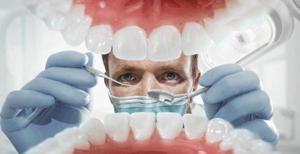 Найбільш шкідливі для зубів звички назвали лікарі