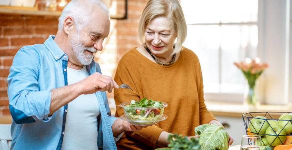 Лікарі розповіли, коли і скільки потрібно їсти для довголіття