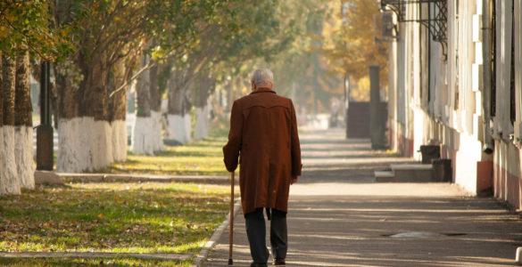 У манері ходьби вчені побачили можливість передбачити ризик розвитку хвороби Альцгеймера