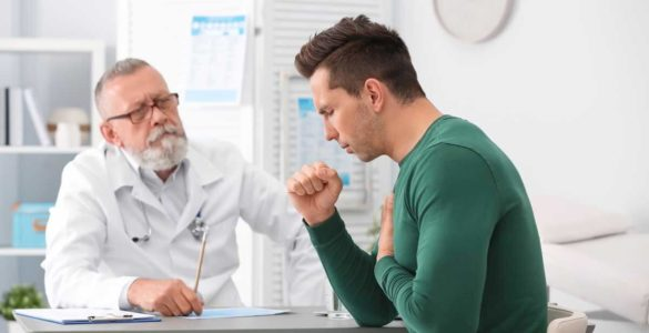 Лікар розповів, при яких типах кашлю потрібно терміново звернутися до фахівця