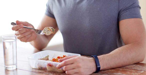 Вчені з'ясували, як швидко потрібно їсти, щоб прожити довше