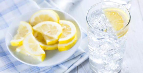Про користь води з лимоном розповіли лікарі