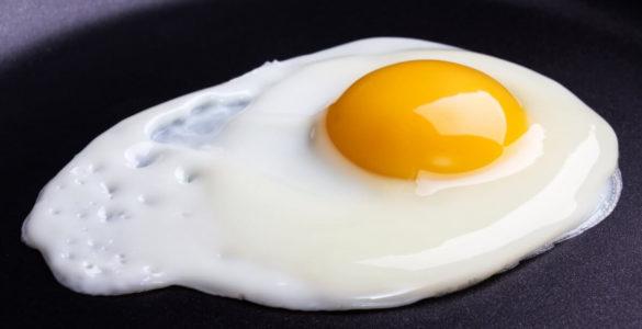 Американські дієтологи назвали найбільш небезпечний спосіб приготування яєць