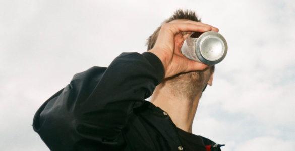 Напої з алюмінієвих банок можуть стати причиною серйозного захворювання