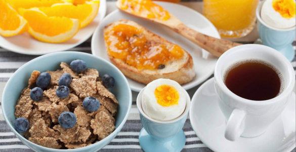 Вчені розповіли, чому сніданок краще не пропускати