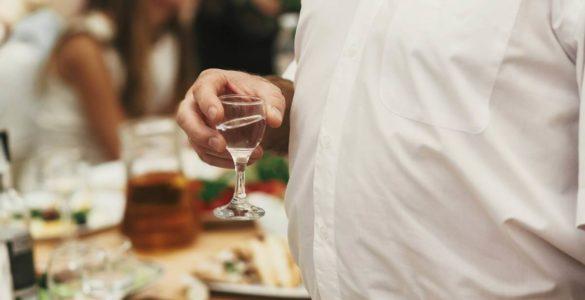 Ризик смерті від серцево-судинних захворювань при вживанні алкоголю оцінили вчені