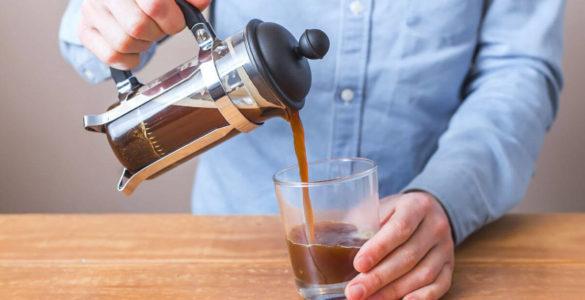 Скільки можна зберігати зварену каву, розповіли експерти
