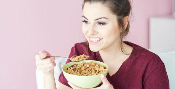 Секрет довголіття: 6 простих, але корисних продуктів на сніданок