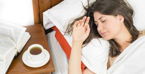 3 види чаю, які дієтологи рекомендують пити перед сном