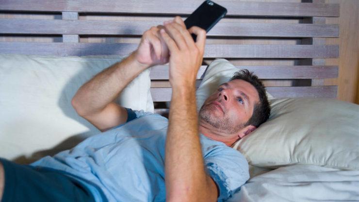 Смартфон перед сном