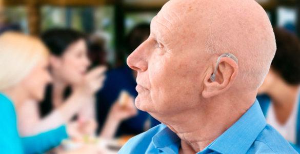 Проблеми зі слухом можуть сигналізувати про наближення деменції