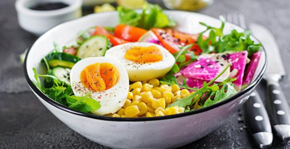 Овочі вранці: чи корисно їсти салат на сніданок