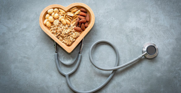 Що буде, якщо з'їдати жменю горіхів щодня, розповіла дієтологиня